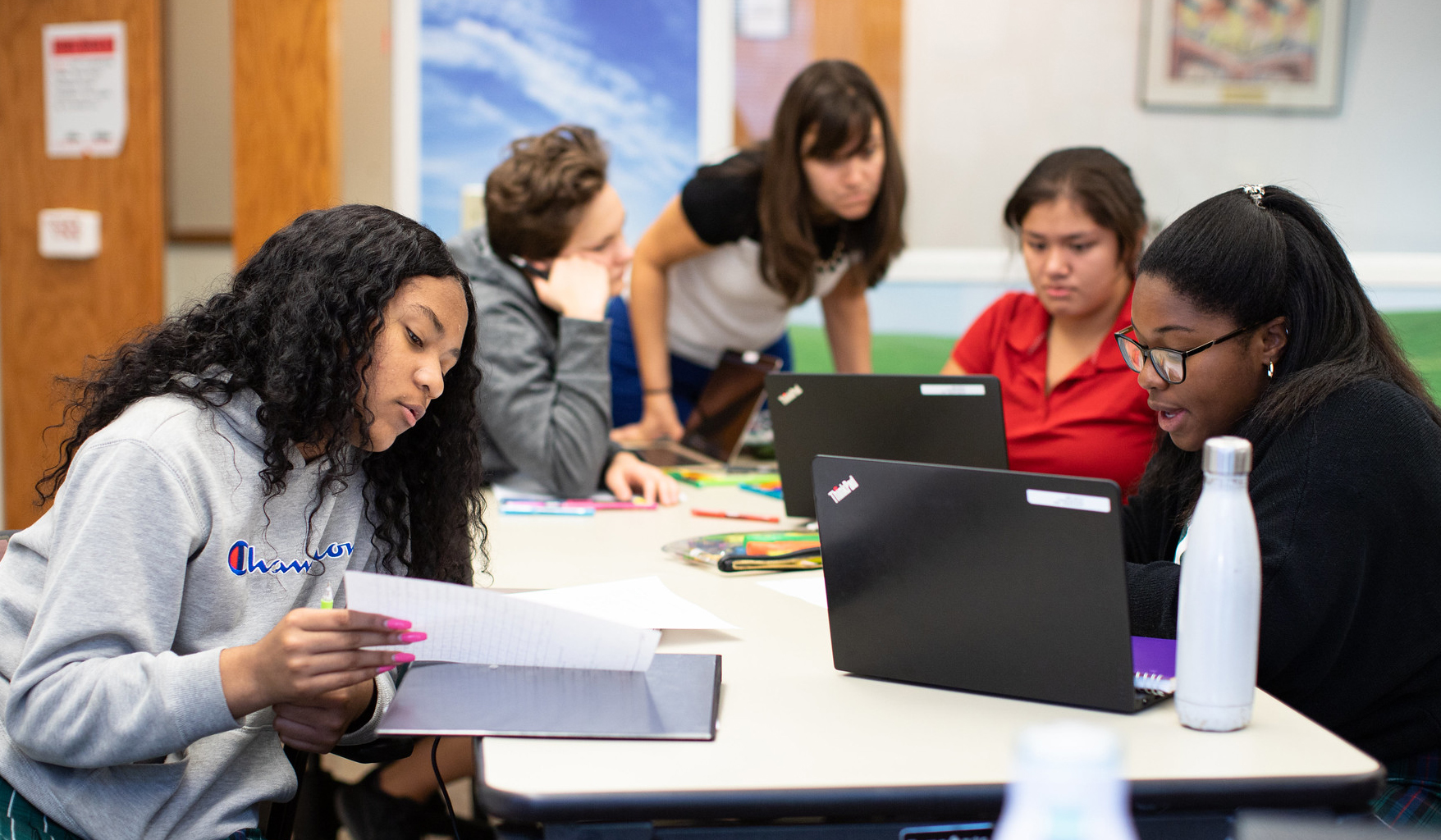 High school students at The Ellis School, an all-girls private school in Pittsburgh, study together.
